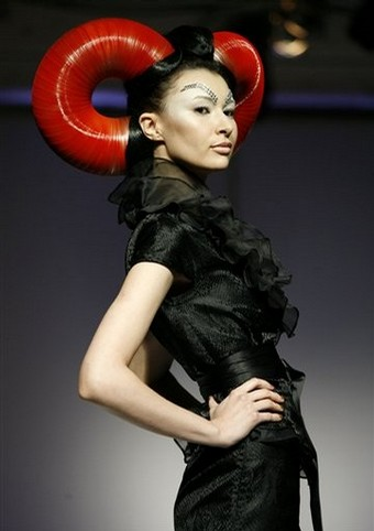 hongkong_future_queen_hu_sheguang_she_fashion_lounge04.jpg