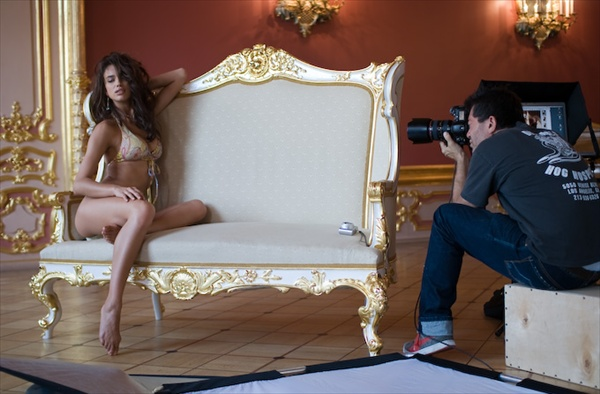 irina_sheik_sports_illustrated_backstage07.jpg