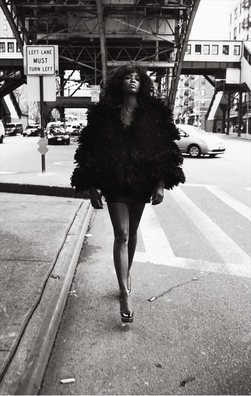 naomi campbell - empire strikes black