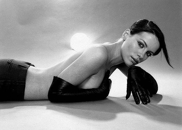 kate_beckinsale_various_photoshoot05.jpg