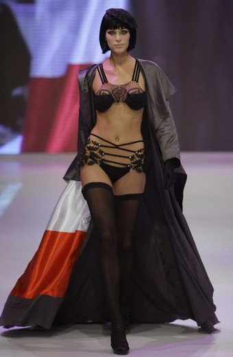 lingerie fashion show Triumph International