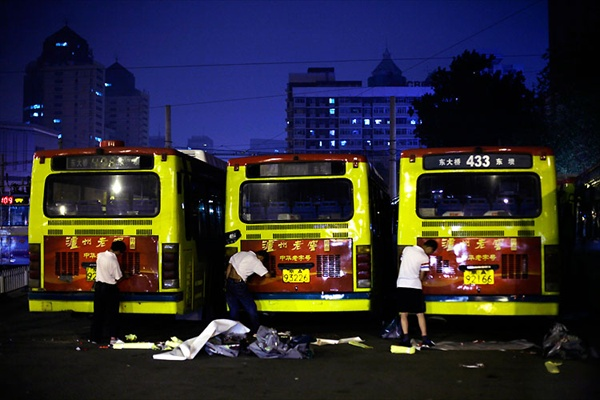 beijing_night09_buses.jpg