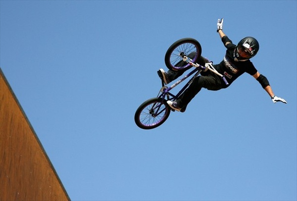 summer_x_games_bmx_freestyle_vert_simon_tabron.jpg