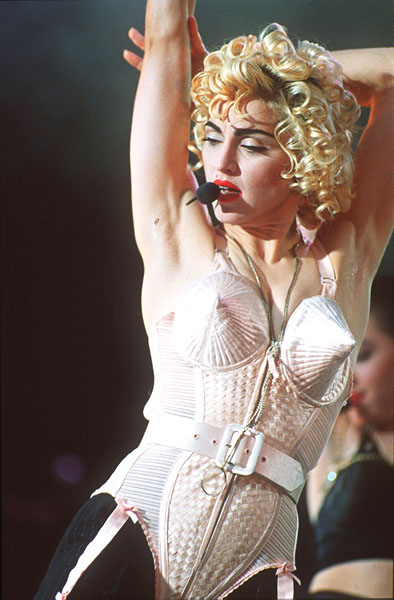 madonna_blonde_ambition_tour1990.jpg