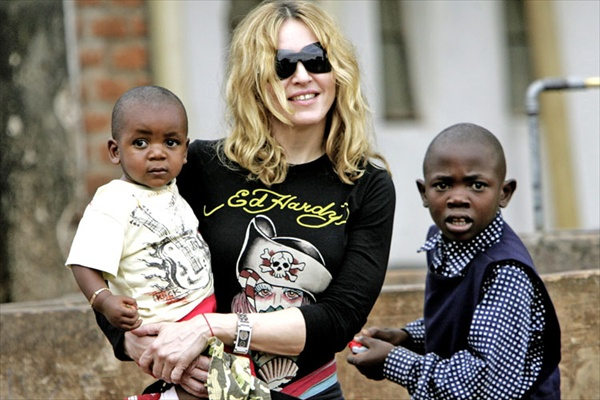 madonna_malawi_2008_with_son_david.jpg