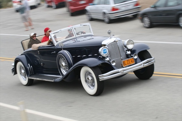 Monterey_1932_Chrysler_Imperial_LeBaron_Convertible_Coupe.jpg