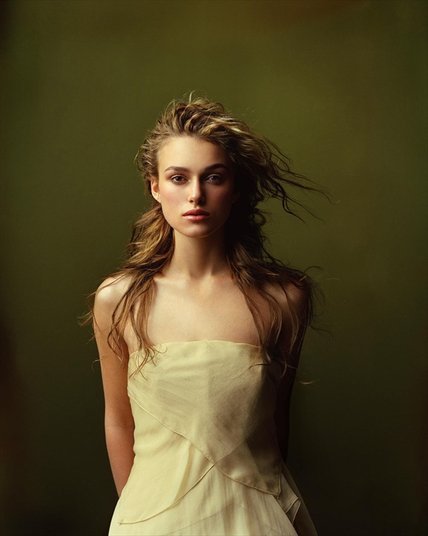 http://www.etoday.ru/uploads/2008/08/19/keira_knightley_james_white_photoshoot02.jpg