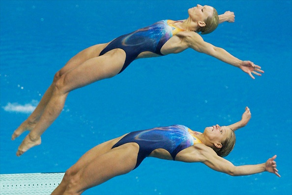 synchronised_swimming_german_team_ditte_kotzian_heike_fischer.jpg
