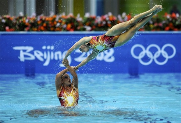 synchronised_swimming_usa_team5.jpg