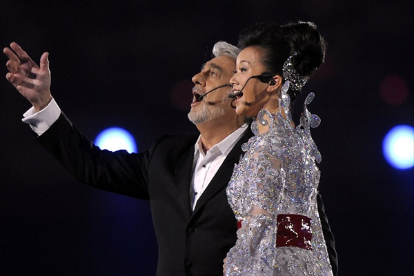 Placido Domingo and Zuying at the closing ceremony of Summer Olympic Games 2008 in Beijing