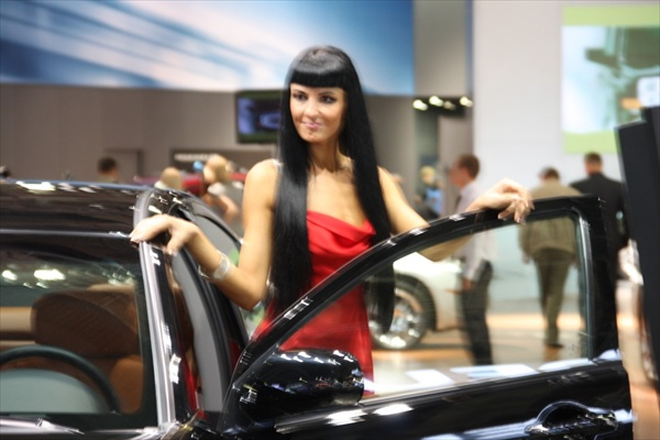 russian girls at moscow auto salon 2008