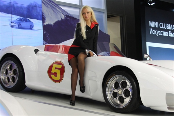 moscow_auto_salon_girls06.jpg