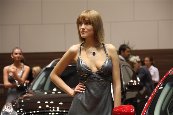 moscow_auto_salon_girls07.jpg
