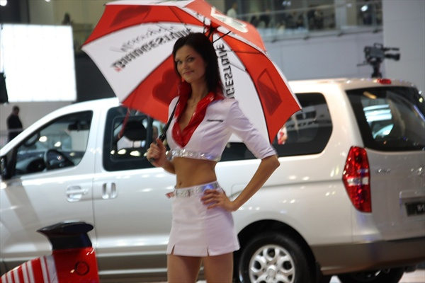 moscow_auto_salon_girls08.jpg