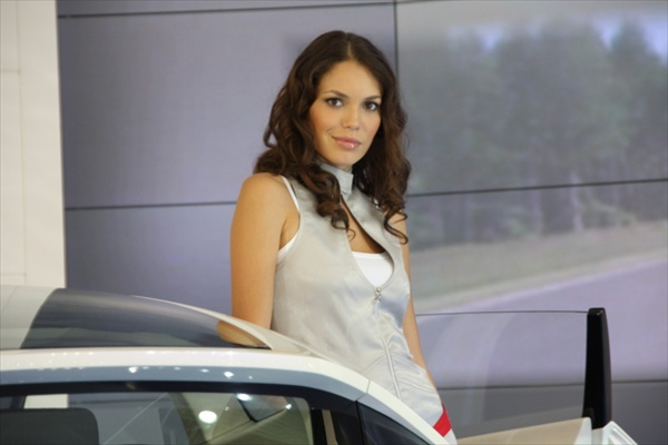 moscow_auto_salon_girls09.jpg