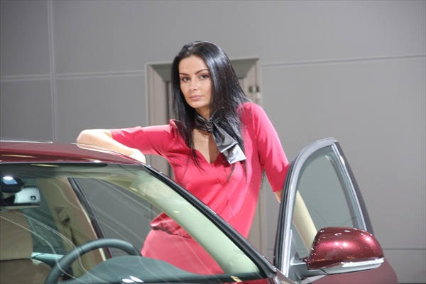 moscow_auto_salon_girls10.jpg