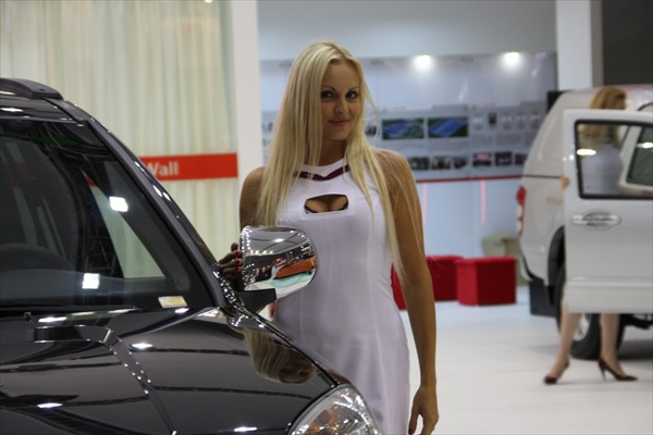moscow_auto_salon_girls11.jpg