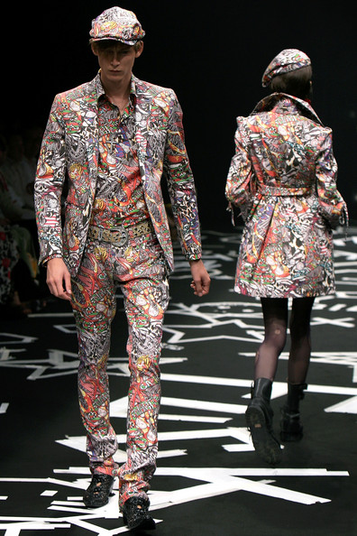japan_fashion_week_guts_dynamite_cabarets03.jpg