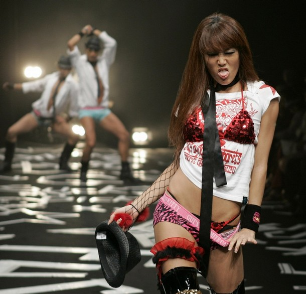 japan_fashion_week_guts_dynamite_cabarets07.jpg
