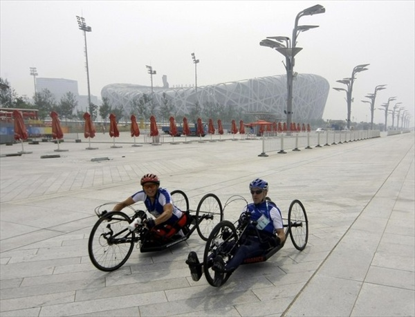 beijing2008_paralympics_cyclists.jpg