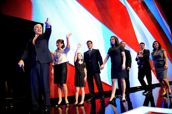 republican_national_convention_john_mccain_with_palin_family2.jpg
