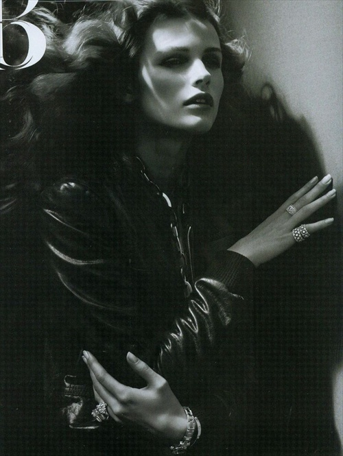 vogue_paris_september2008_edita_vilkeviciute03.jpg