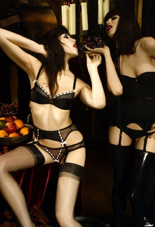 agent_provocateur_editorial_pop_magazine_fall2008_05.jpg