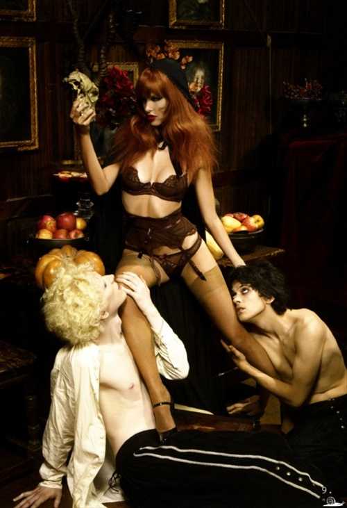 agent_provocateur_editorial_pop_magazine_fall2008_09.jpg