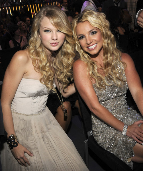 mtv_vma_britney_spears_taylor_swift.jpg