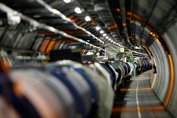 large_hadron_colliders06.jpg