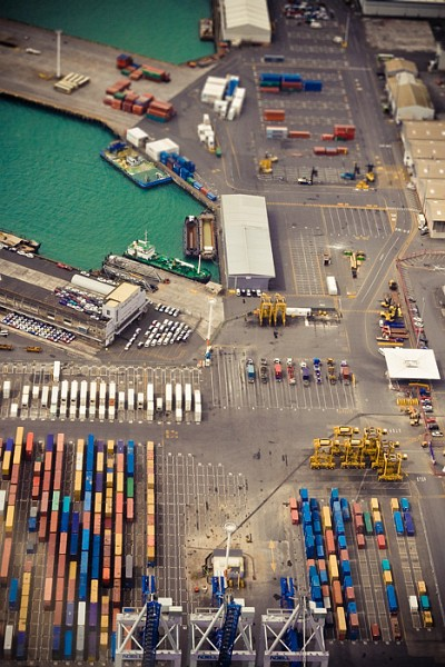 nz_flight_containers2.jpg