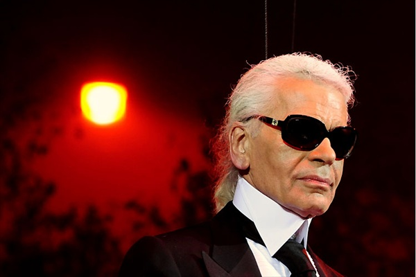 karl_lagerfeld_turns70.jpg