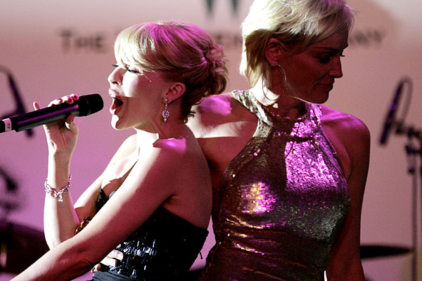 kylie_minogue_2007_with_sharon_stone_amfar_gala.jpg
