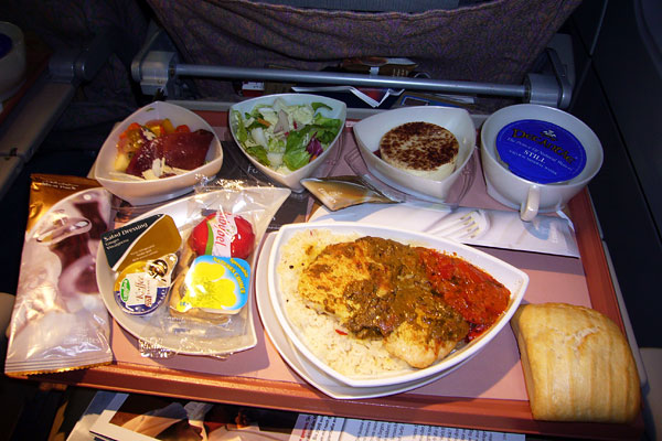 airline_food_emirates_airlines_economy_munich_dubai.jpg