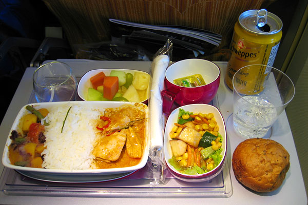 airline_food_thai_airways_economy_bangkok_frankfurt.jpg
