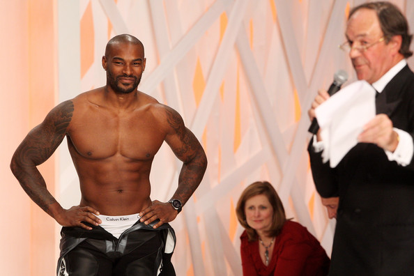 fashion_for_relief_tyson_beckford2.jpg