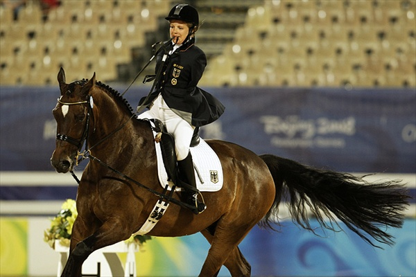 paralympics_horse_riding_bettina_eistel_germany.jpg