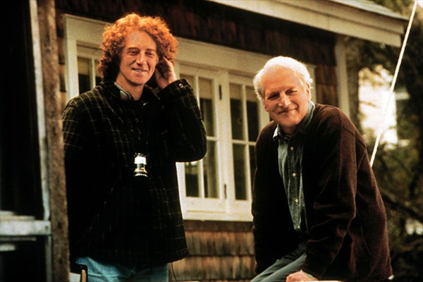 paul_newman_message_in_a_bottle_with_director_luis_mandoki_1999.jpg