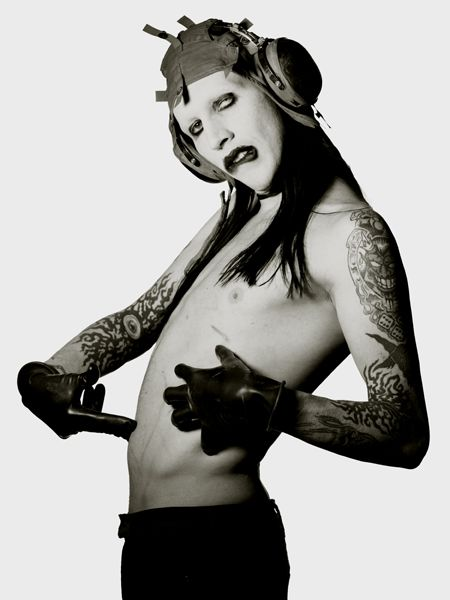 albert_watson22_marilyn_manson_new_york_1996.jpg