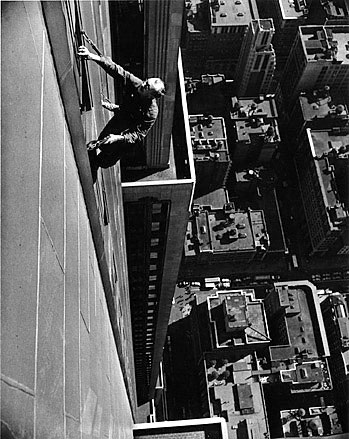 arthur_leipzig_window_washer_empire_state_builing_1948.jpg