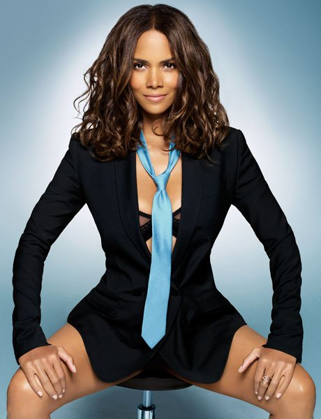 Halle Berry - Esquire Magazine November 2008