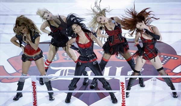 Pussycat Dolls performance before the match
