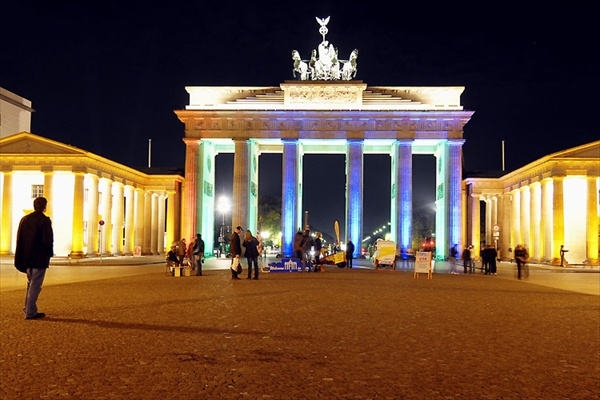 festival_of_lights_berlin03_brandenburger_tor.jpg