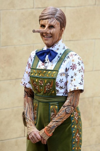 halloween_nbc_today_rockefeller_plaza_cohost_meredith_viera.jpg