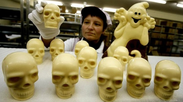 halloween_white_chocolate_products_germany_160mil_industry.jpg