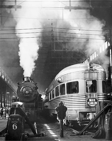 andreas_feininger_dearborn_station_chicago_1941.jpg