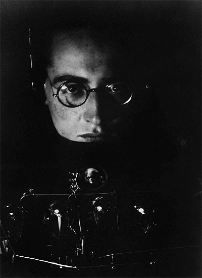 andreas_feininger_self_portrait_1927.jpg