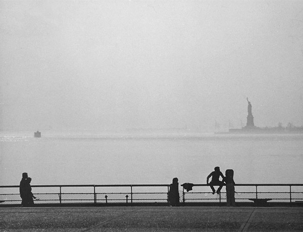andreas_feininger_statue_of_liberty_1981.jpg
