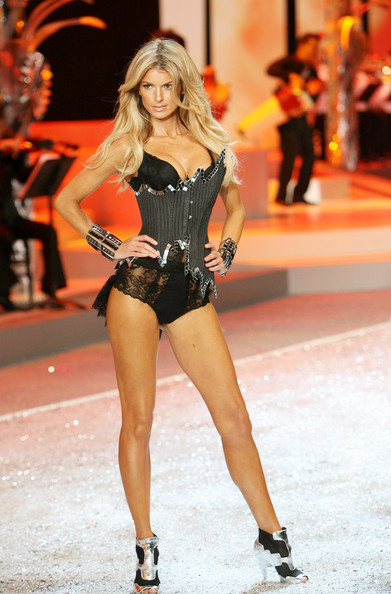 victorias_secret_fashion_show2008_marisa_miller01.jpg