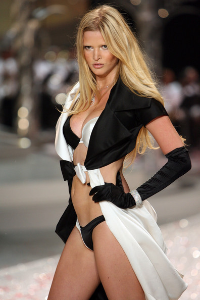 victorias_secret_fashion_show2008_09.jpg
